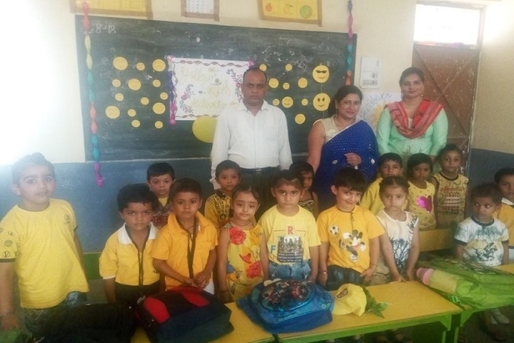 Greenland Public School-Yellow day celebrations