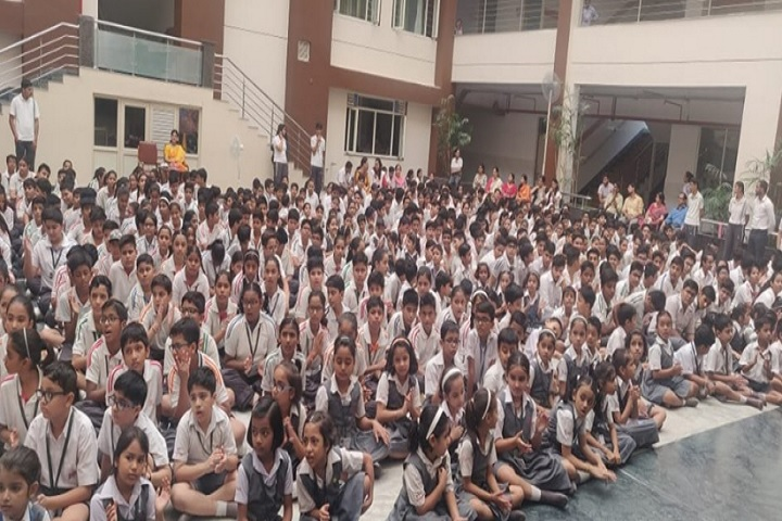 Greenwood Public School-Student gathering