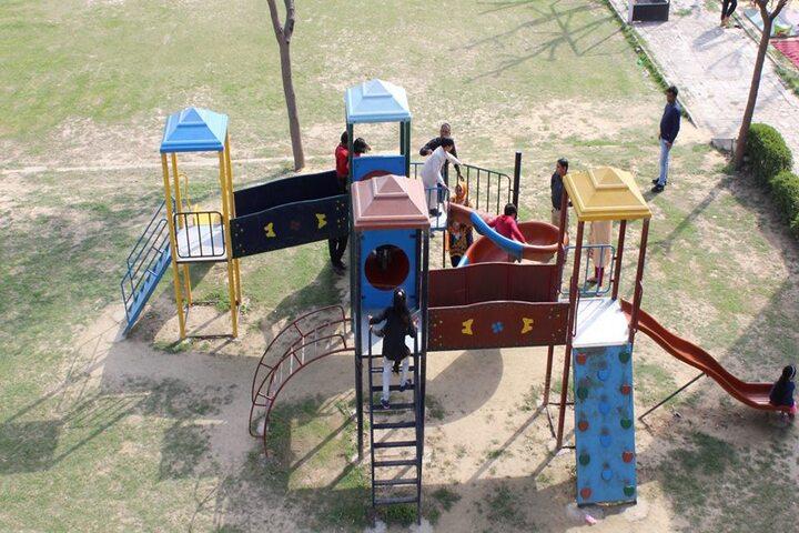 Guru Gobind Singh Public School-Play Area