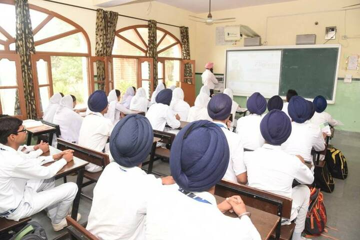 Guru Nanak Dev Academy-Classroom