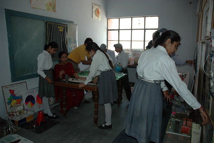 Guru Teg Bahadur Public School-Arts and Craft
