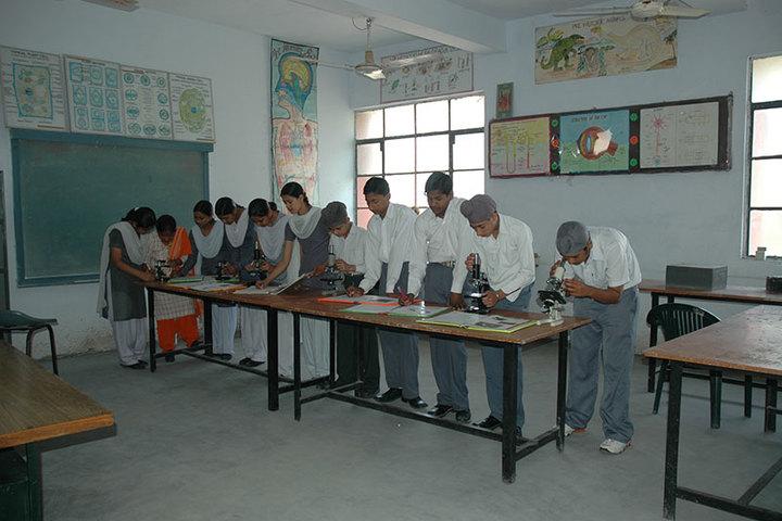 Guru Teg Bahadur Public School-Biology Lab