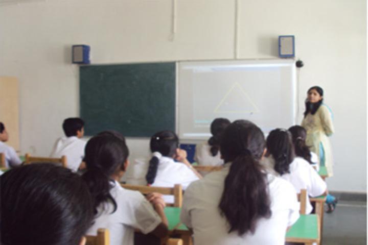 Gurugram Public School-Smart Classrooms