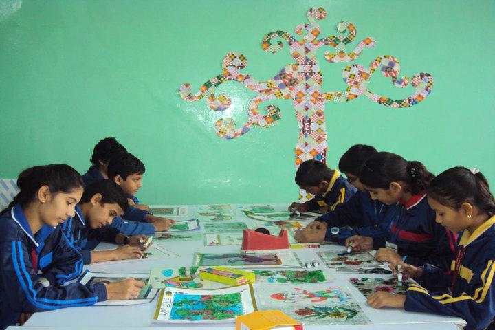 Gyan Deep Senior Secondary School-Art room