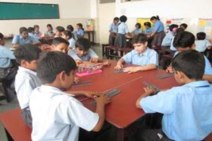 Gyan Devi School-Maths Lab