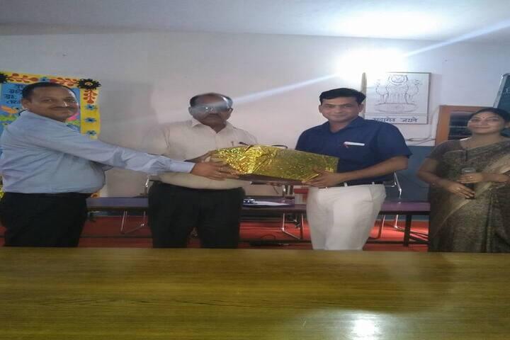 H D Senior Secondary Public School-Prize Distribution