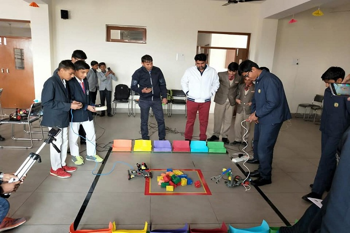H D Senior Secondary Public School-Creative Minds