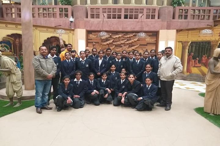 H D Senior Secondary Public School-Education Tour