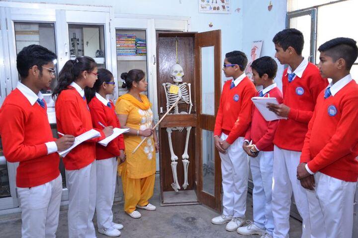Heritage International School-Biology Lab