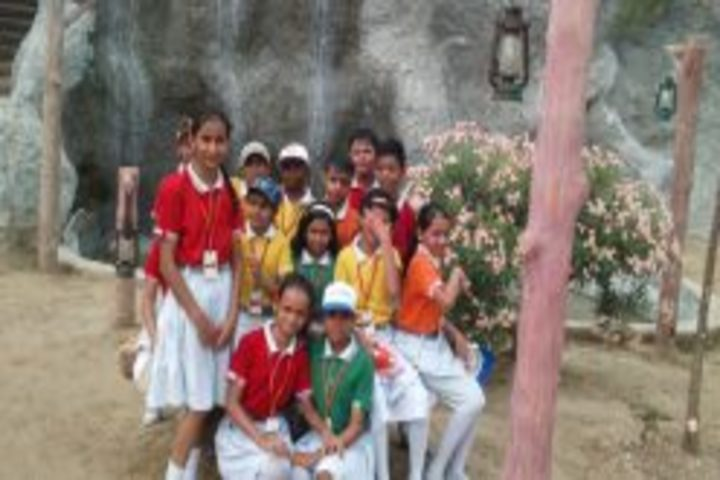 Hindu Senior Secondary School-Picnic