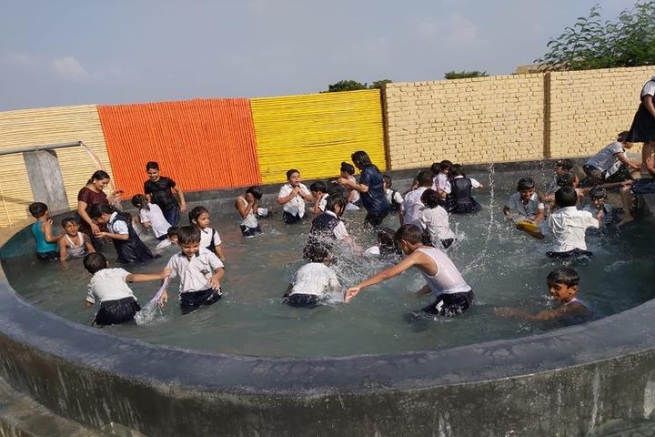 Holy Child Public School-Swimming Pool