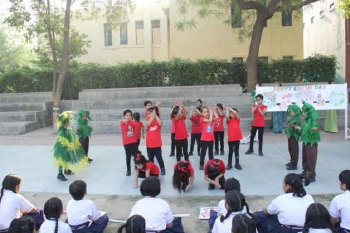 Holy Child Senior Secondary School-Earth Day