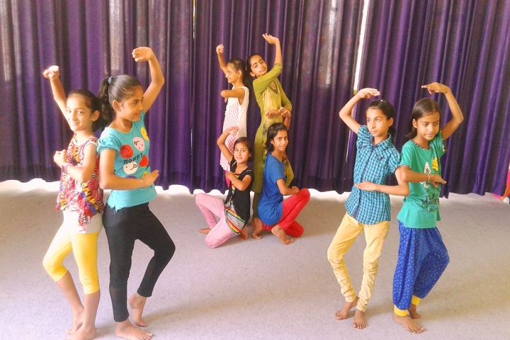 Indraprasth Public School-Dance Room