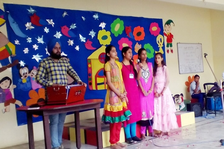 Indraprasth Public School-Music Room