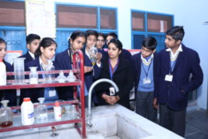Jainendra Public School-Science Lab
