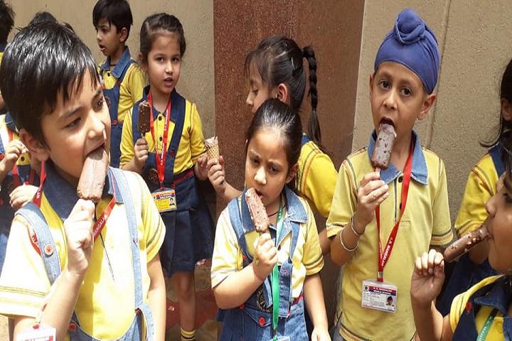 K R Mangalam World School-Junior Wing