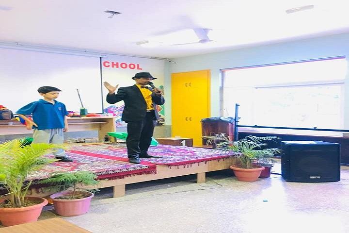 K R Mangalam World School-Magic Show