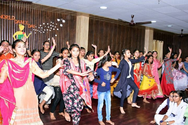 Kohinoor International Academy-Dance