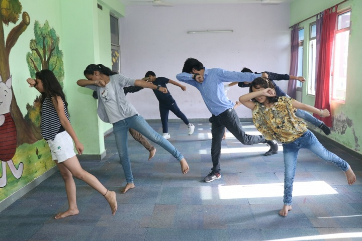 Lingayas Public School-Dance-Room