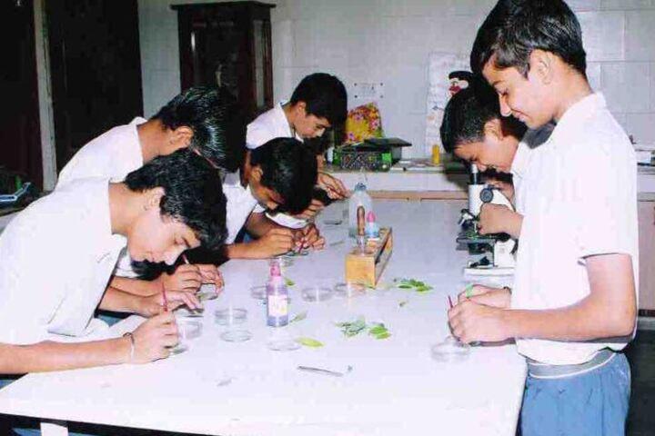 Mahadev Desai Public School-Biology Lab