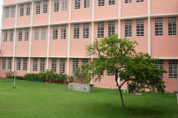 Mahadev Desai Public School-Building
