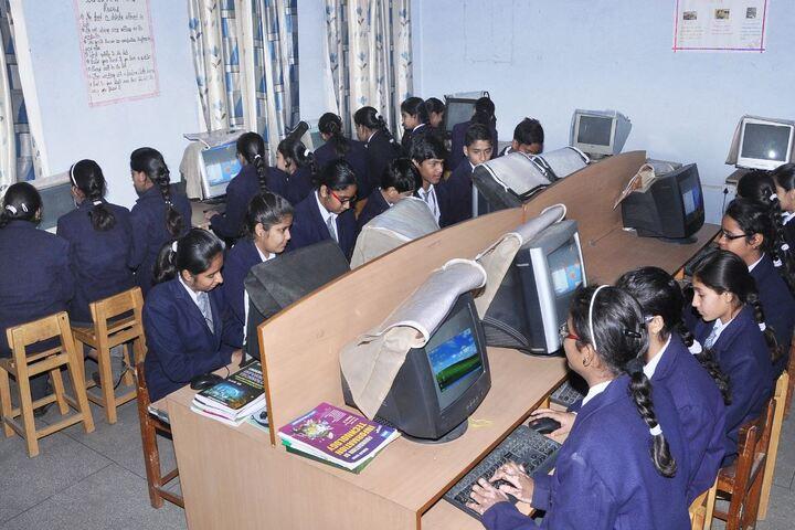 Mahadev Desai Public School-Computer Lab