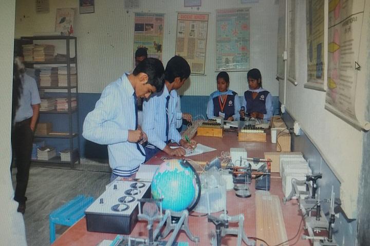 Maharishi International Public School-Laboratory2