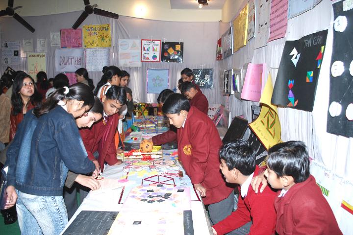 Malviya Shiksha Sadan-Science Exhibition