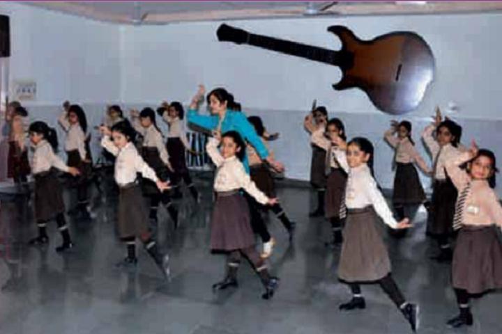Manav Mangal School-Dance Class