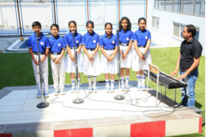 Manav Mangal School-Singing