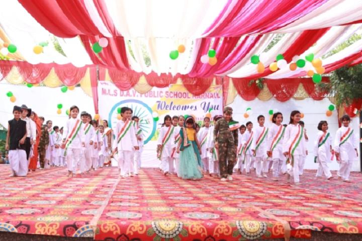 Manohar Lal Saraf Dav Public School-Events republic day