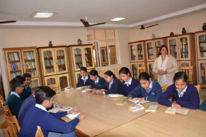 Manohar Lal Saraf Dav Public School-Library with reading room