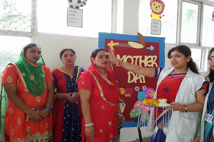 Mother Teresa Modern Public School-Mothers Day