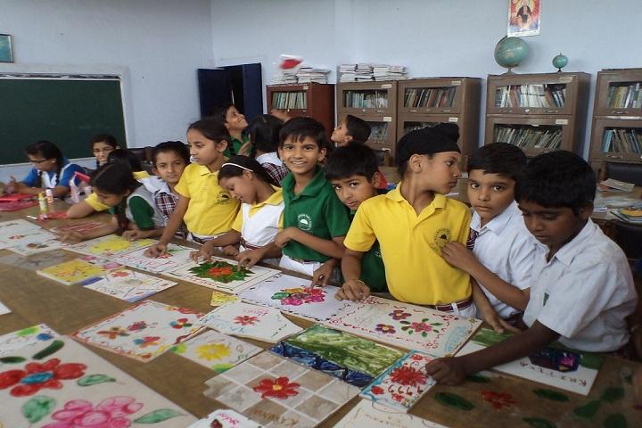 Moti Ram Arya Modern Public School-Art and Craft3