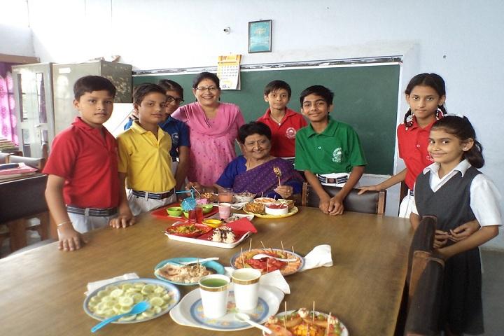 Moti Ram Arya Modern Public School-Food Decoration