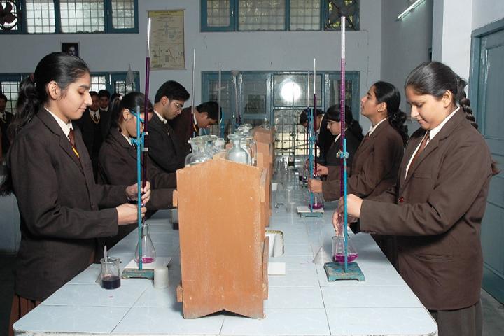 OS DAV Public School-Chemistry Lab