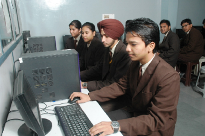 OS DAV Public School-Computer Lab