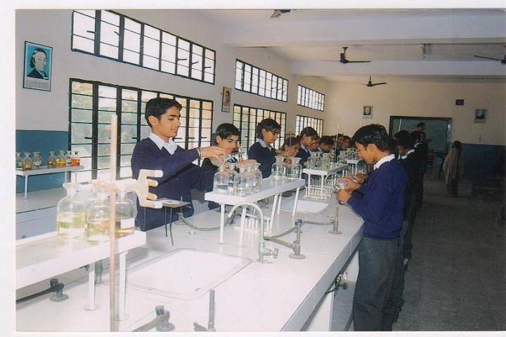 Prakash Public School-Chemistry Lab