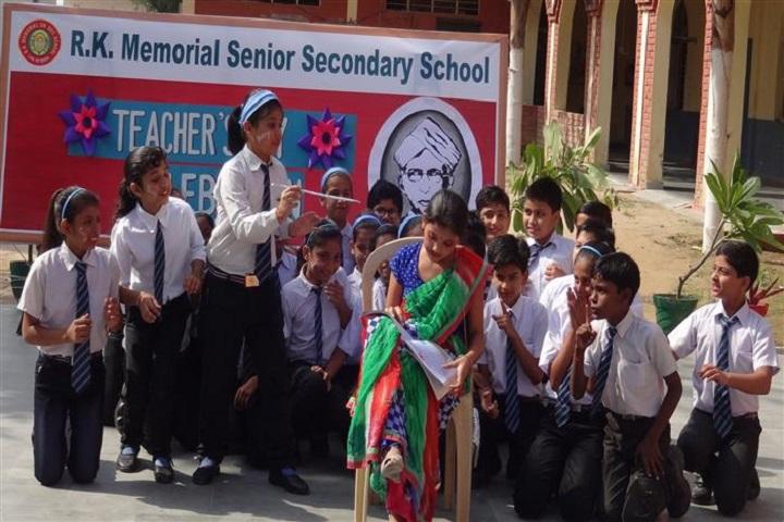 R K Memorial Senior Secondary School-Teachers Day Celebrations