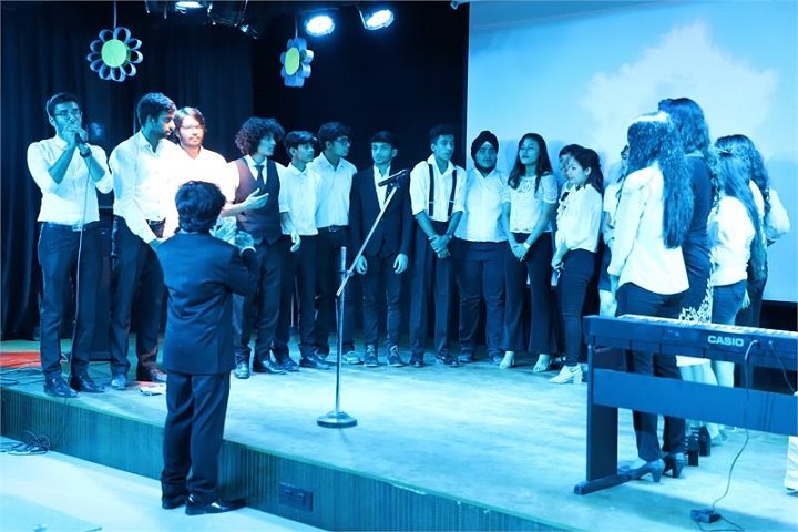 Rabindranath World School-Singing Performance