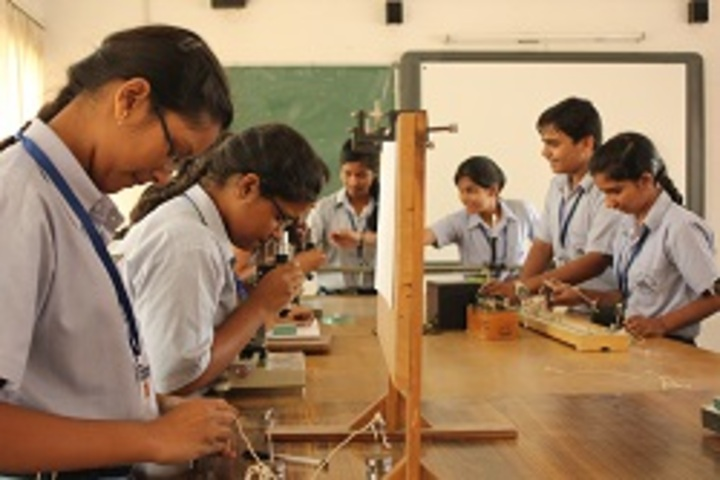 S D Adarsh Vidyalaya-Physics Lab