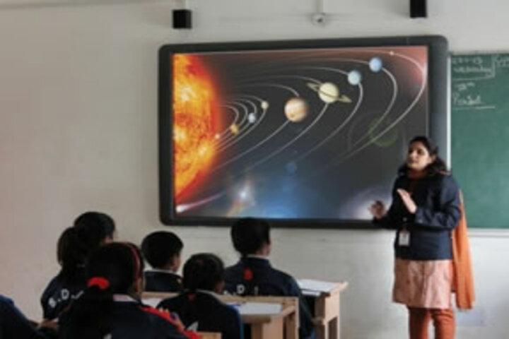 S D Adarsh Vidyalaya-Smart Class
