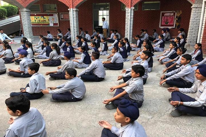 S M S Memorial Public School-Yoga