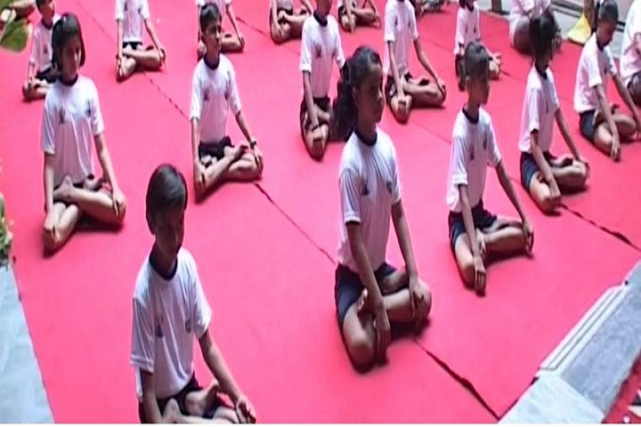 S B Model School-Yoga Day