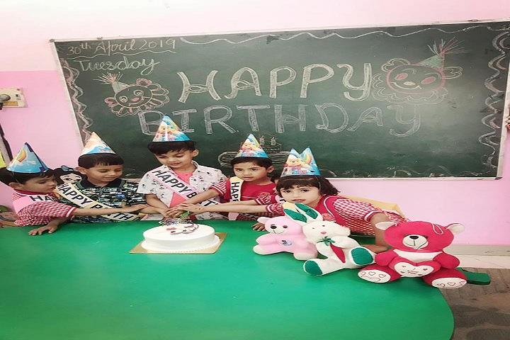 Saint Vivekanand International School-Birthday Celebrations
