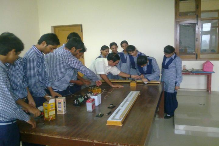 Sant Nikka Singh Public School-Physics Lab