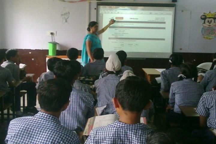 Sant Nikka Singh Public School-Smart Classroom