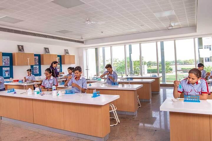 GD Goenka Signature School-Science Lab