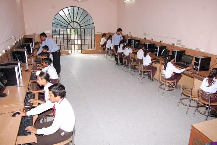 S D Senior Secondary School-Computer Lab