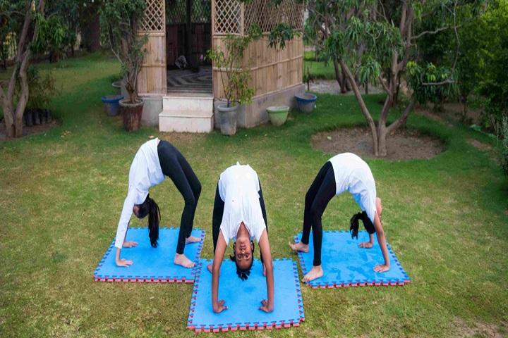 Shreejee International School-Yoga